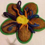 Цветы из орехов