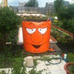 Оранжевый бак для воды