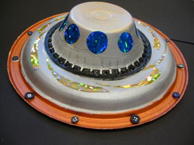 6. НЛО из одноразовой посуды