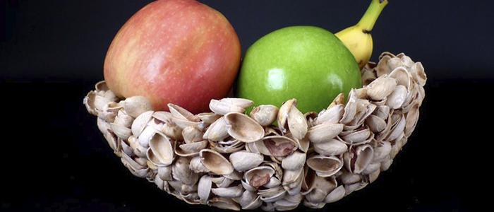 Ваза для фруктов из фисташковой скорлупы