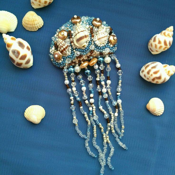 Брошка медуза