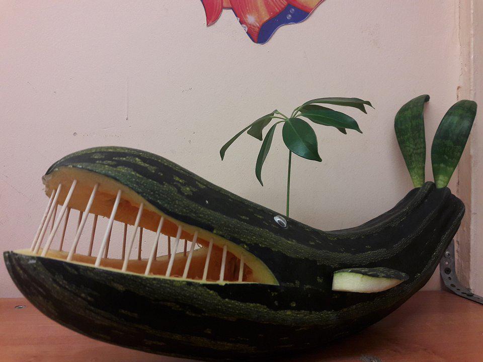 кит из кабачка поделка