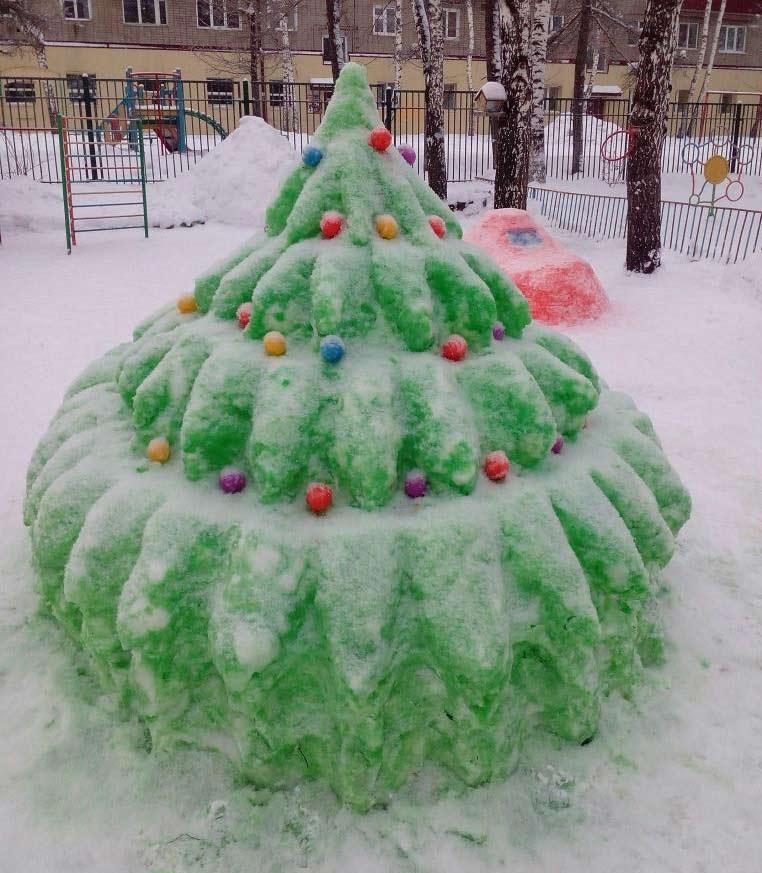 поделки из снега на улице