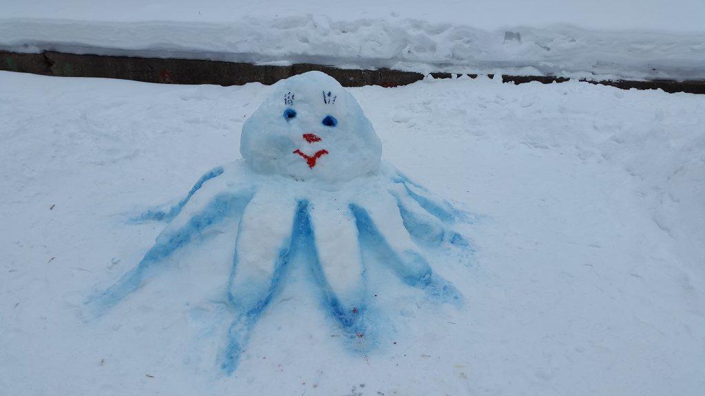 поделки из снега на участке детского сада
