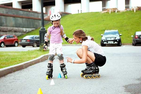 обучение ребенка на роликах