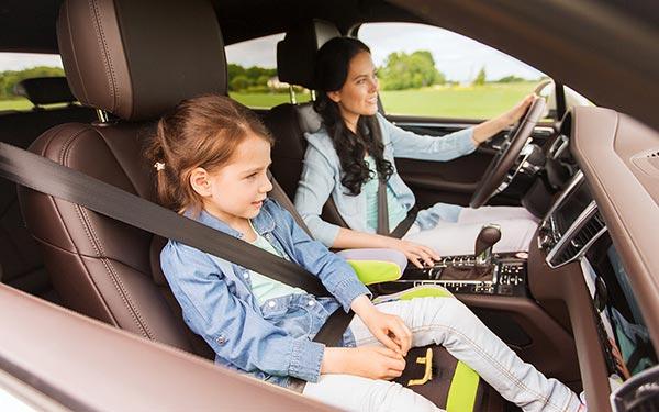 со скольки лет можно детей возить на переднем сиденье
