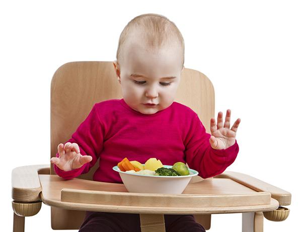 как научить ребенка жевать пищу