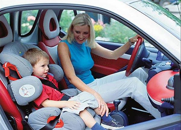 перевозка детей в автомобиле на переднем сиденье со скольки лет