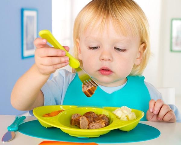 как научить ребенка жевать в 1 год