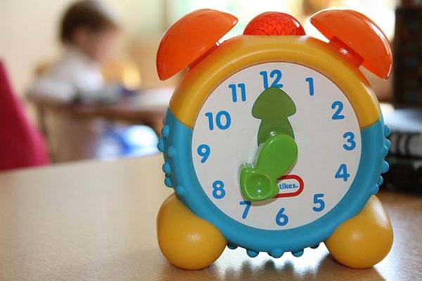 как научить ребенка понимать часы