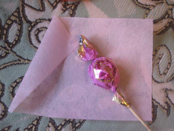 Крепление конфеты на деревянную палочку