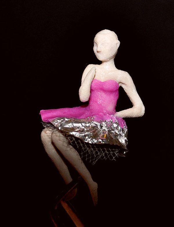 Выбор наряда для куклы