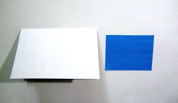 Подготовка прямоугольника из синей бумаги