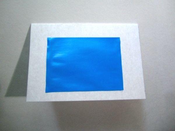 Приклеивание прямоугольника на картонную заготовку